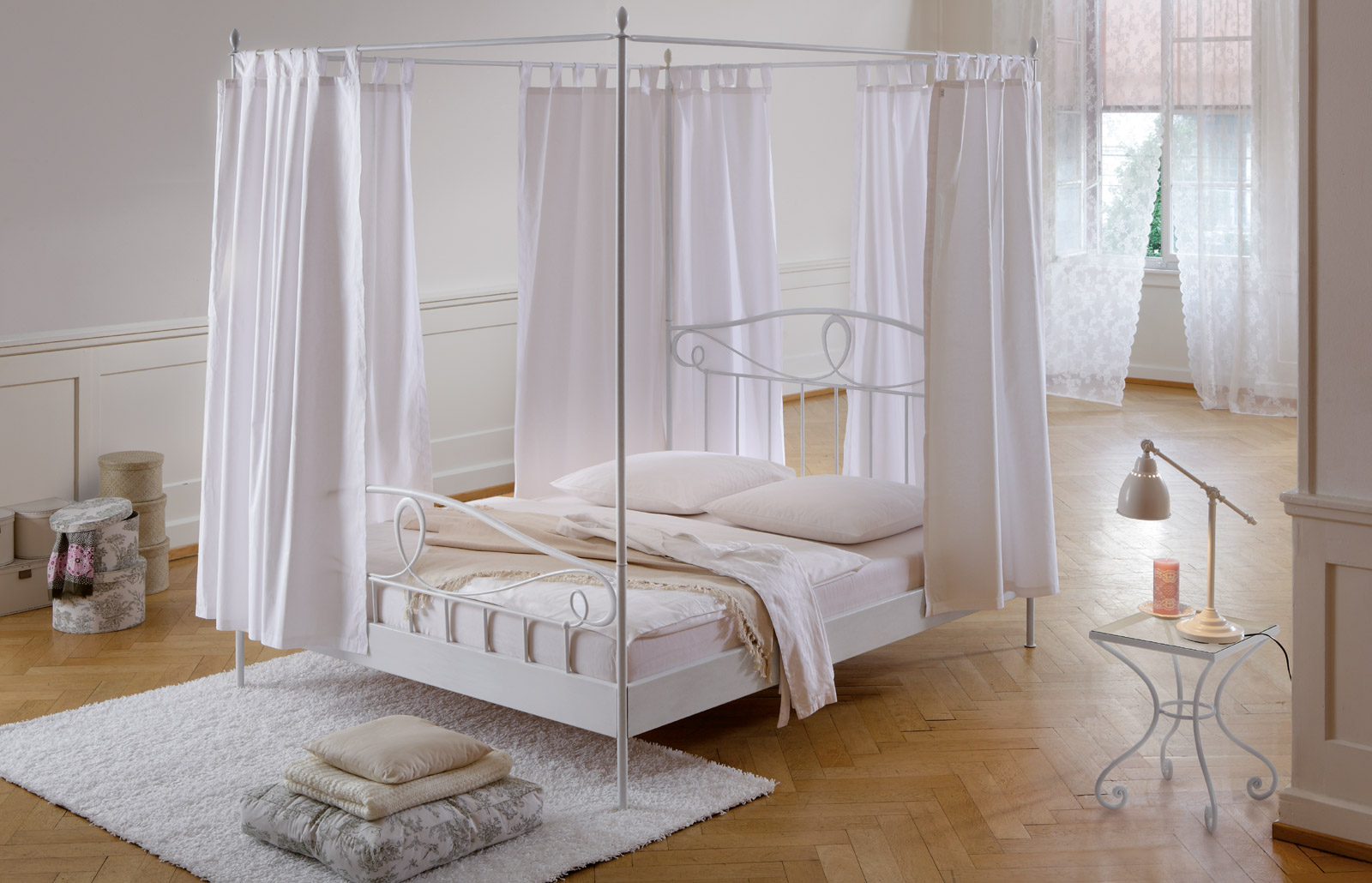romantisches himmelbett neuesten design kollektionen f r die familien. Black Bedroom Furniture Sets. Home Design Ideas