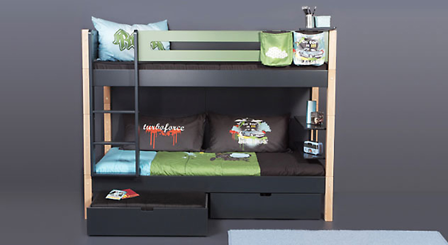 hochbett regal mit zwei ablagefl chen in farbe kids town. Black Bedroom Furniture Sets. Home Design Ideas