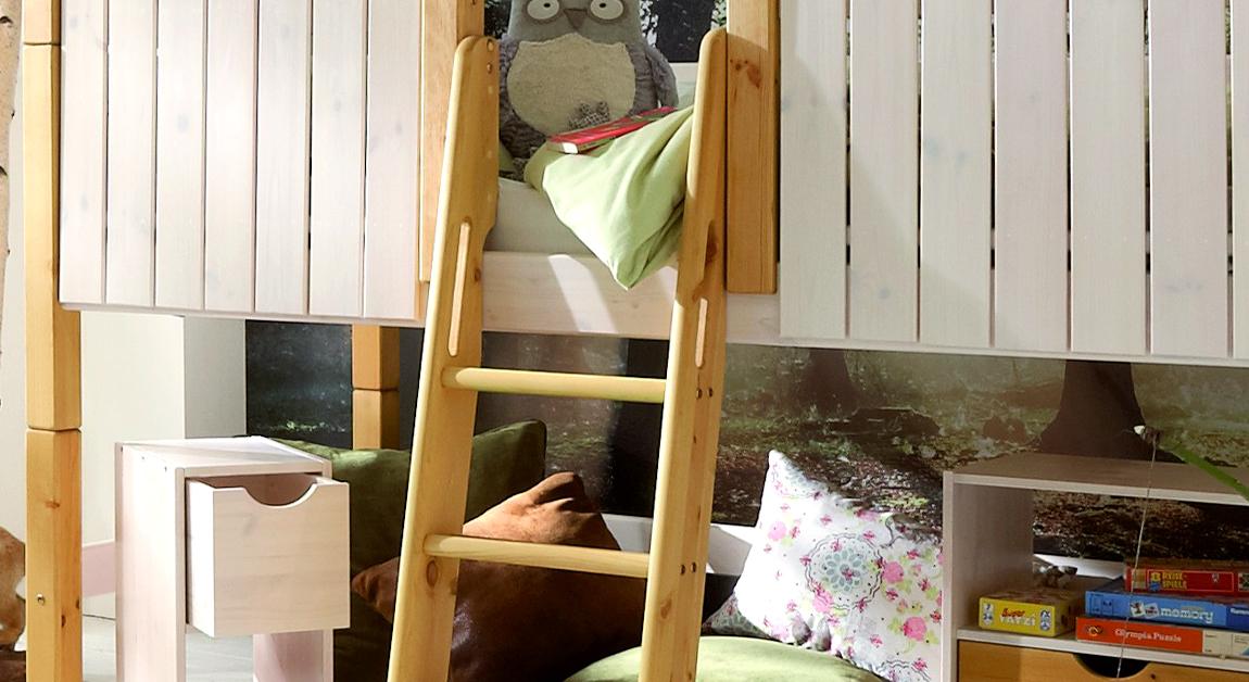 Kinderbett Hochbett Ritterburg Detail Leiter mit Haltegriffen