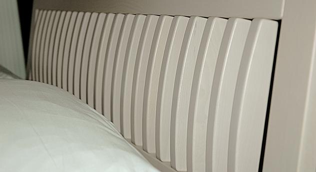 wei es massivholzbett in z b 200x200 cm gr e bett laredo. Black Bedroom Furniture Sets. Home Design Ideas
