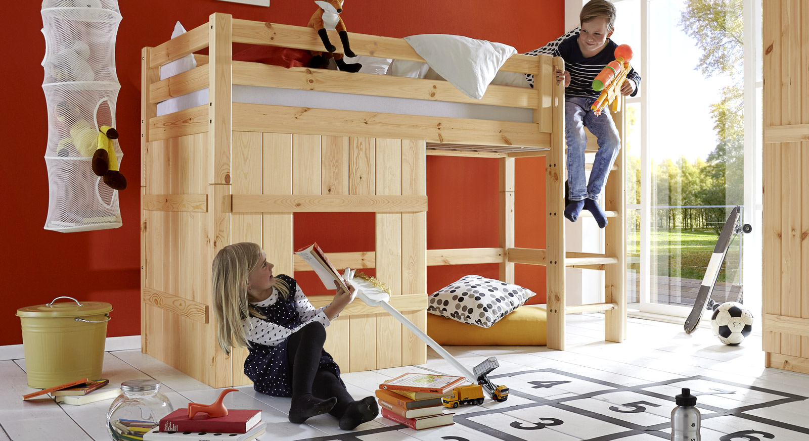h tten hochbett mit spielhaus aus kiefer kids paradise basic. Black Bedroom Furniture Sets. Home Design Ideas