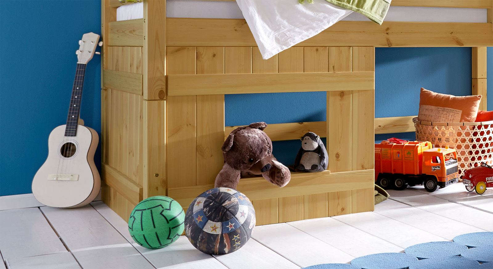 halbhohes h tten hochbett f r jungen kids paradise. Black Bedroom Furniture Sets. Home Design Ideas