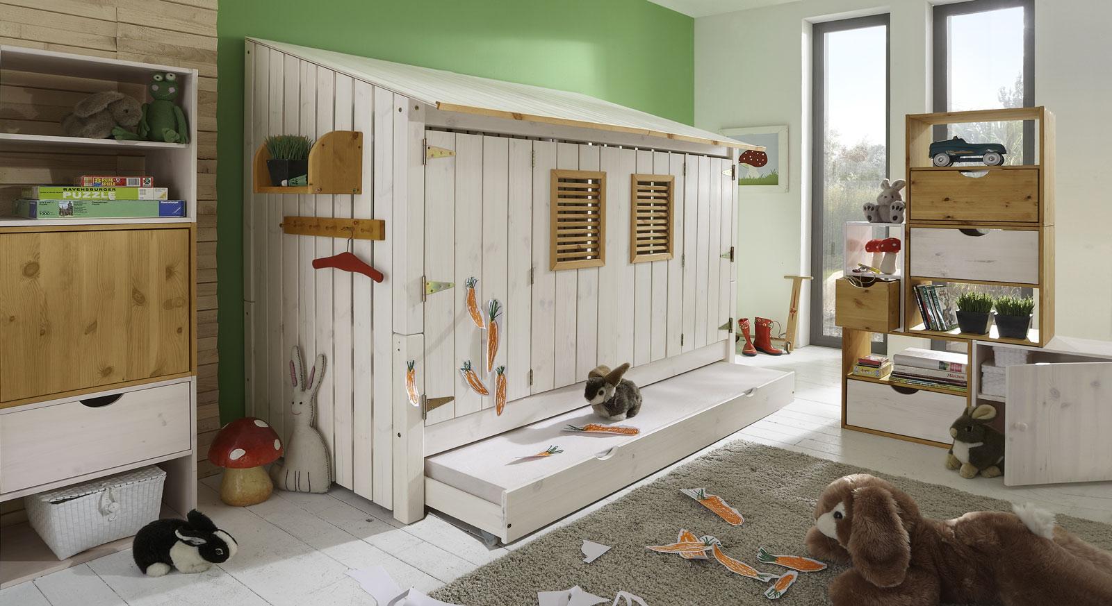 Hüttenbett Strandhaus aus weiß lasierter Kiefer