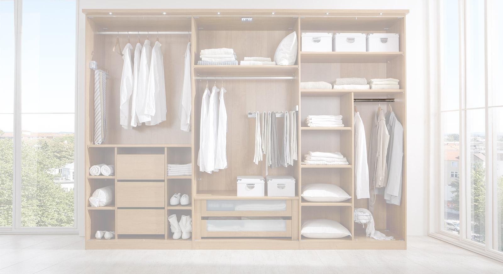 Schmale Kleiderstange der Innenausstattung für Kleiderschränke