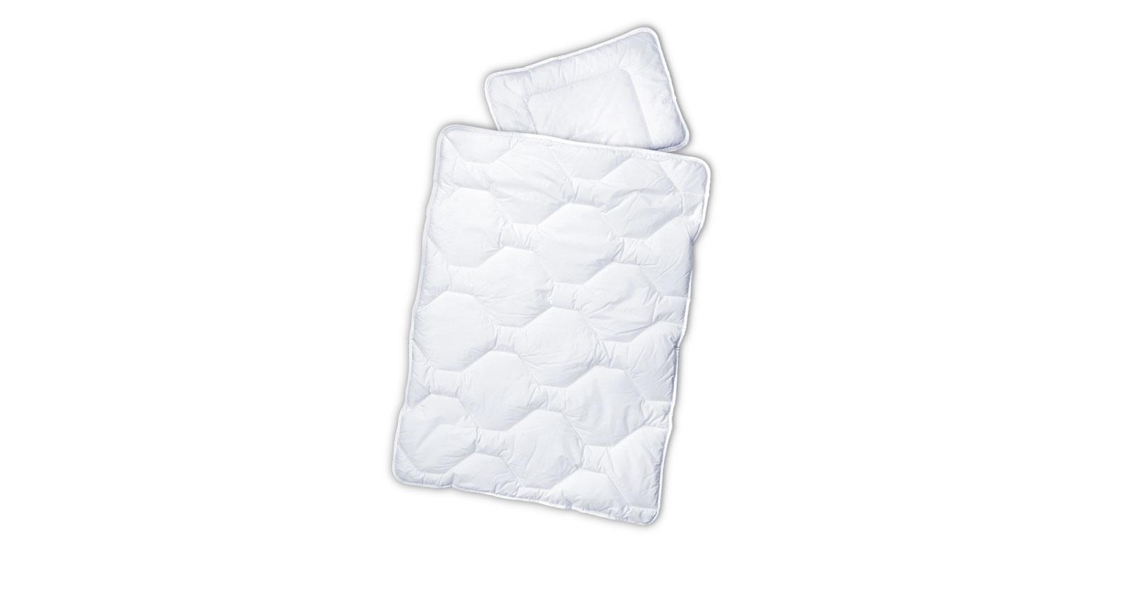 Hautvertägliche Kinder-Bettdecke und Kissen mit atmungsaktivem Bezug