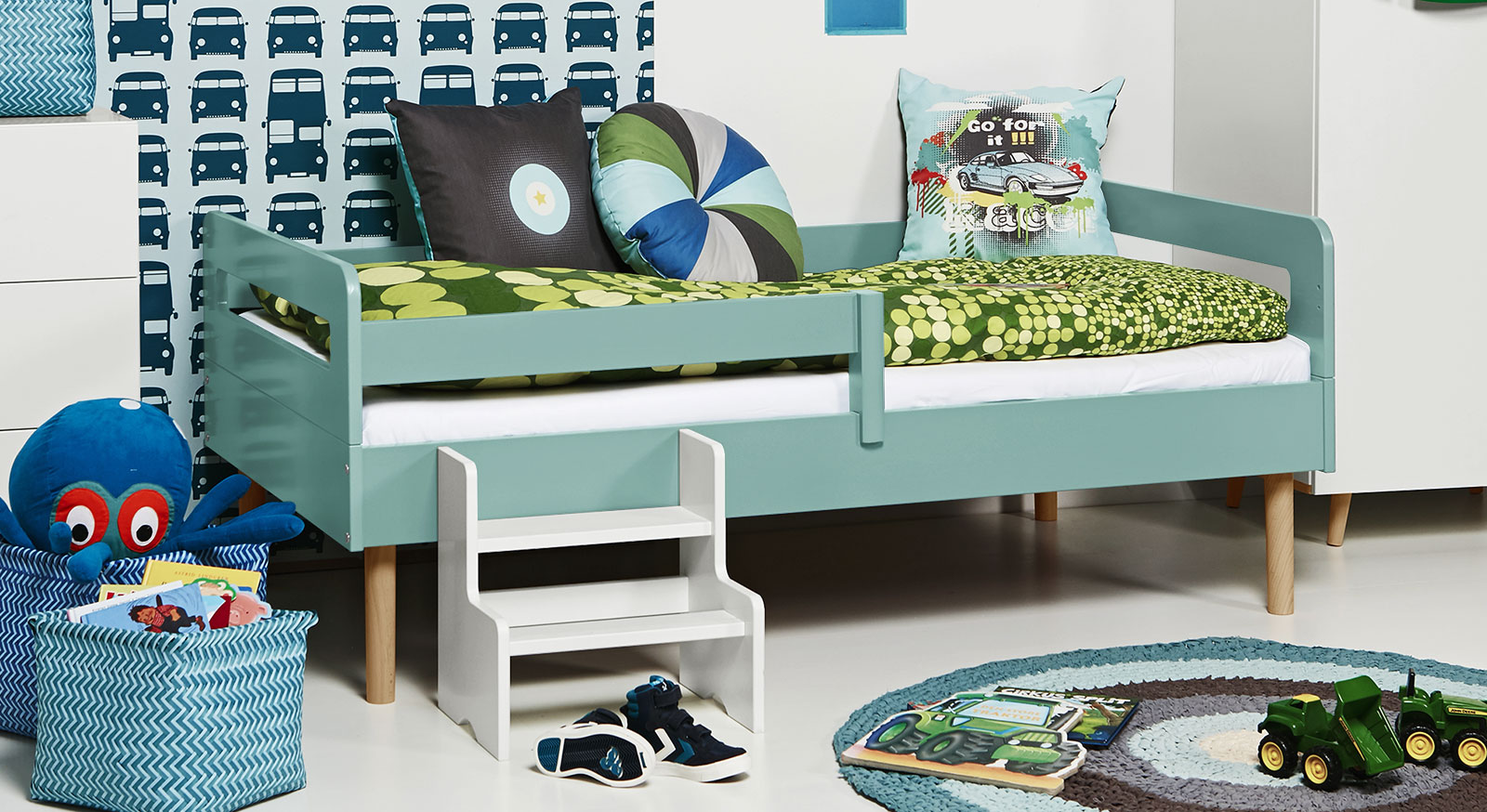 kinderbett mit rolllattenrost in 90x160 cm kids town retro. Black Bedroom Furniture Sets. Home Design Ideas