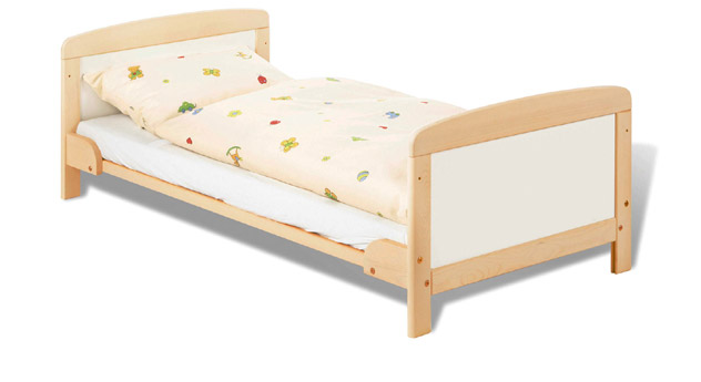 Kinderbett Henri bis zu einem Alter von 5 Jahren verwendbar