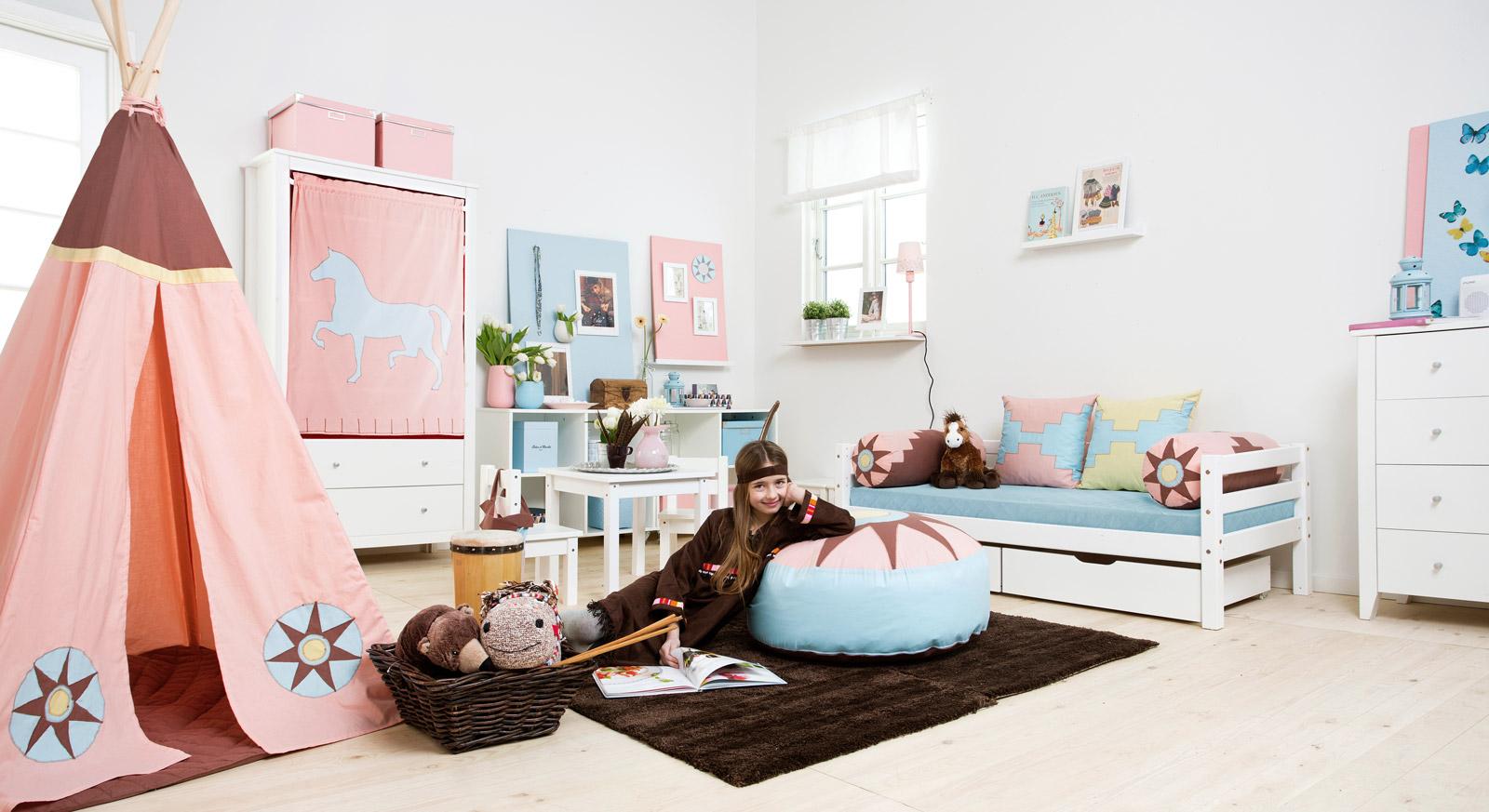 Modernes Kinderzimmer Indianermädchen mit viel Stauraum