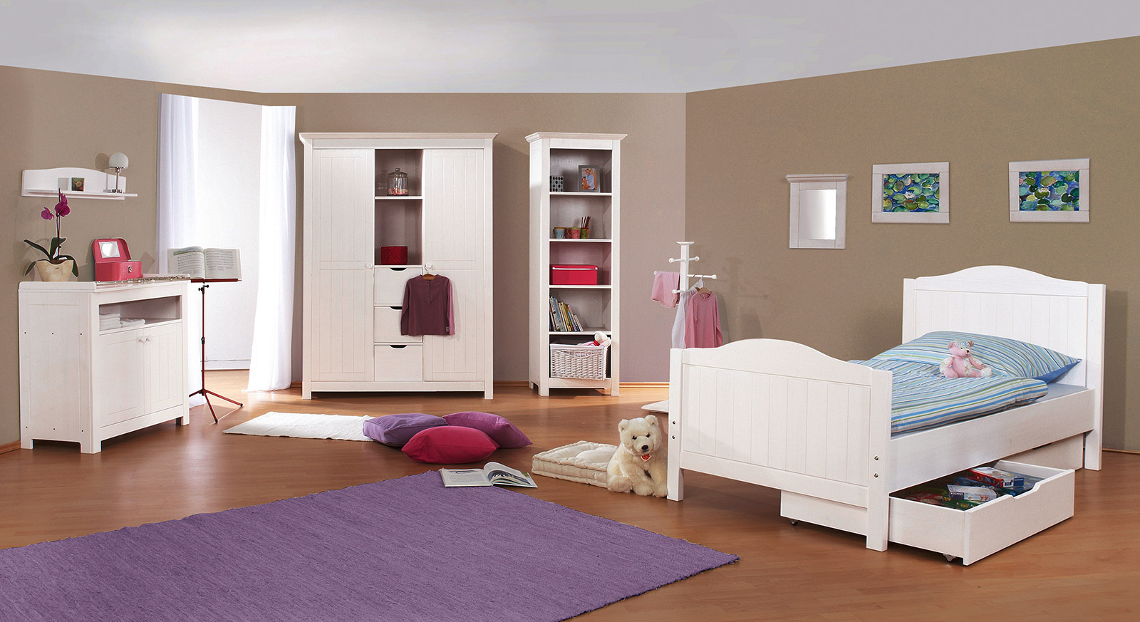 regal kinderzimmer mit weidenkorb g nstig nina. Black Bedroom Furniture Sets. Home Design Ideas