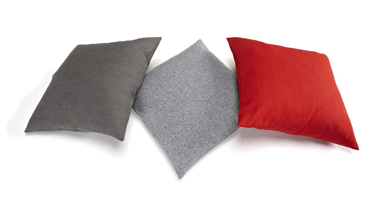 Große, quadratische Kissen für Schlafsofas