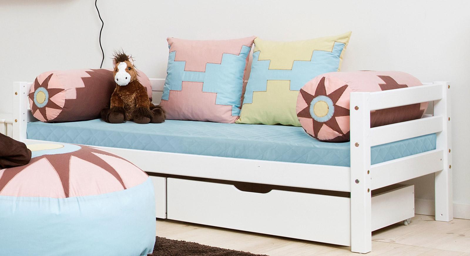 bunte motiv dekokissen f r kinderzimmer kids heaven. Black Bedroom Furniture Sets. Home Design Ideas