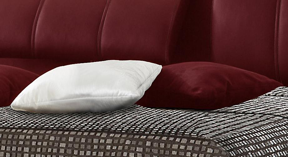 Kusntleder Kissen rot weiß optisch passend zu Polsterbetten