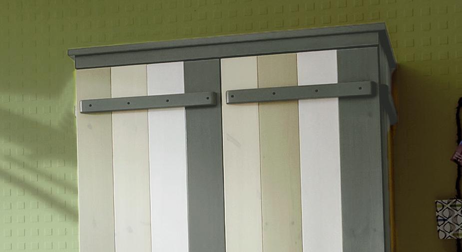 Kleiderschrank Laubhütte Holz im Detail