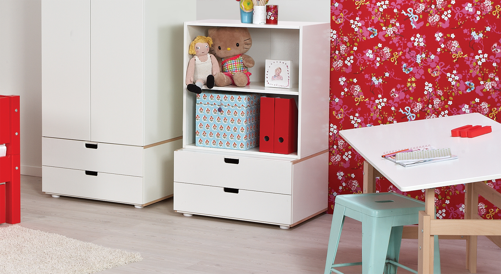 kommode in wei mit schubladen f rs kinderzimmer kids town. Black Bedroom Furniture Sets. Home Design Ideas