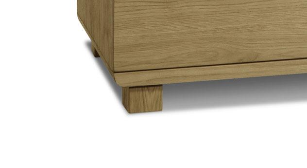Kommode Weno mit stabilen Holzfüßen