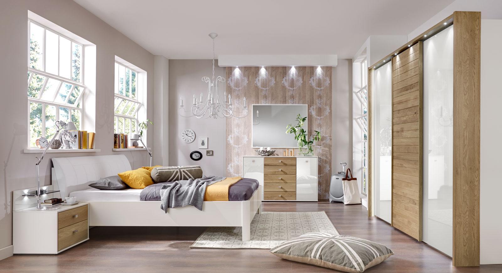 Helles und modernes Komplett-Schlafzimmer Koga