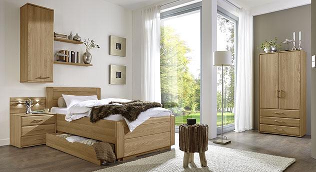 Komplett-Schlafzimmer Raida mit passenden Produkten