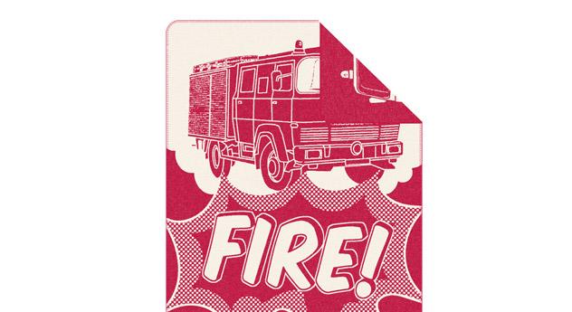 Kuscheldecke s.Oliver Feuerwehr in Rot und Weiß
