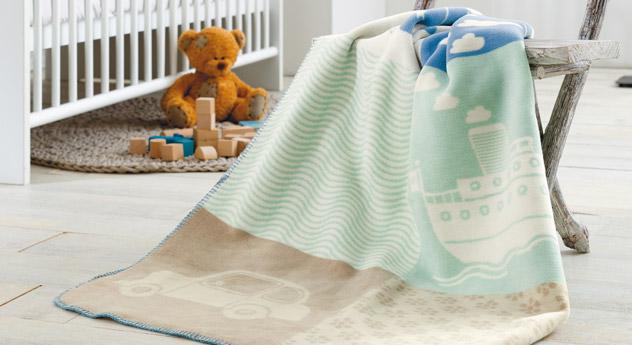 Kuscheldecke Spielwelt - Babydecke mit dezenter Farbgebung