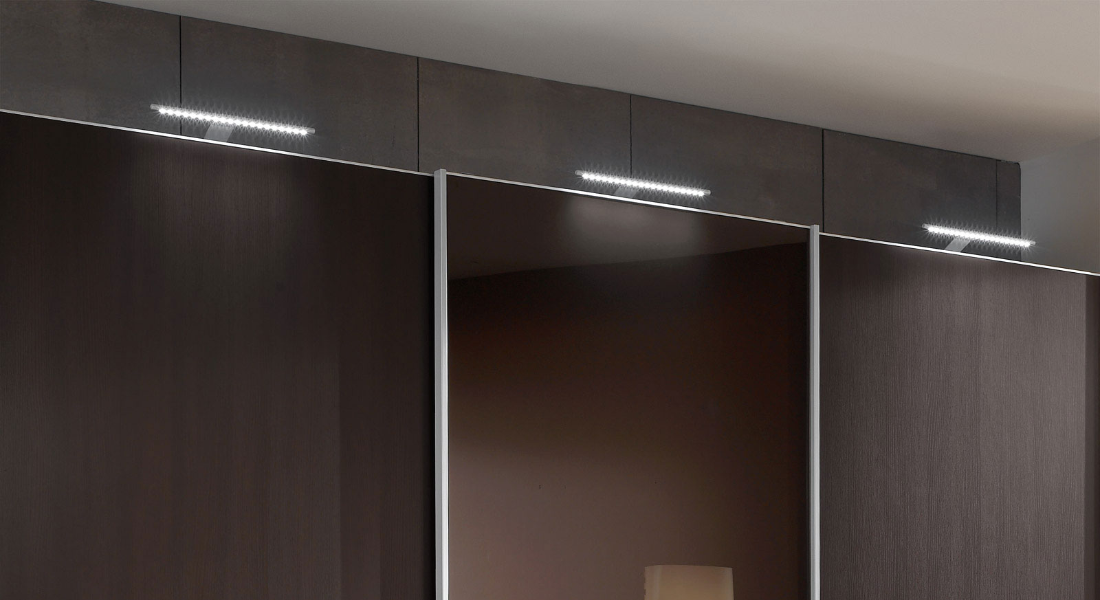 LED-Stableuchte für Kleiderschränke