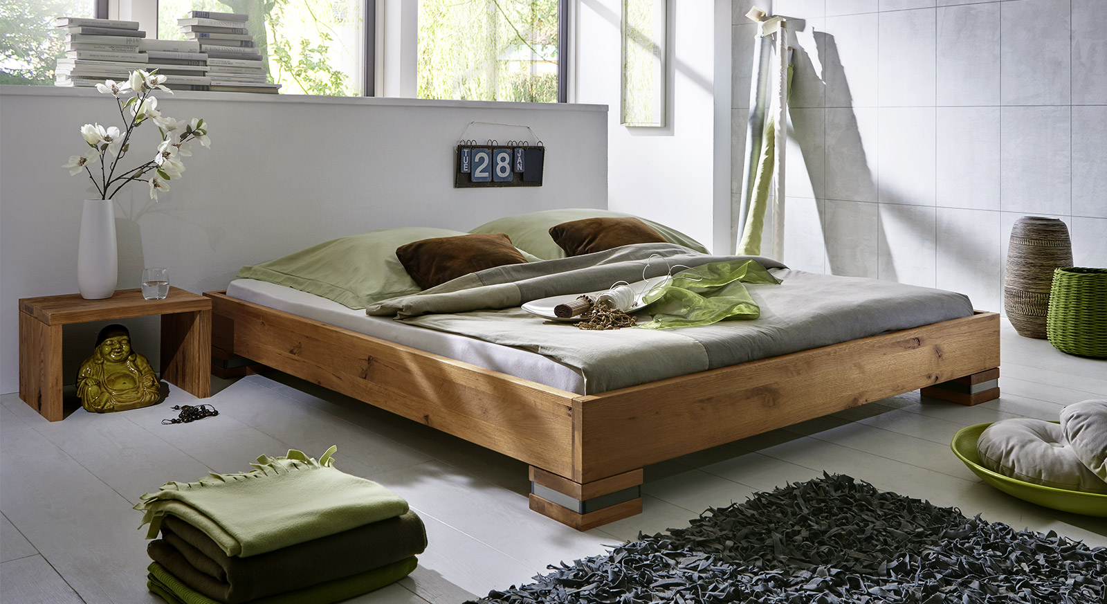 schlafzimmer massivholz verschiedene. Black Bedroom Furniture Sets. Home Design Ideas