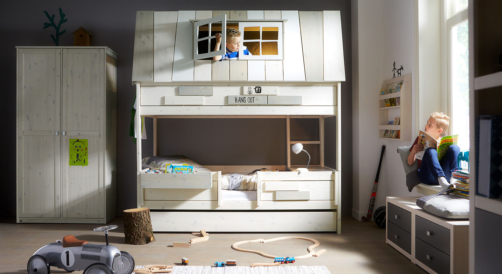 Fantasievolles LIFETIME Kinderzimmer aus Kiefernholz - Villa
