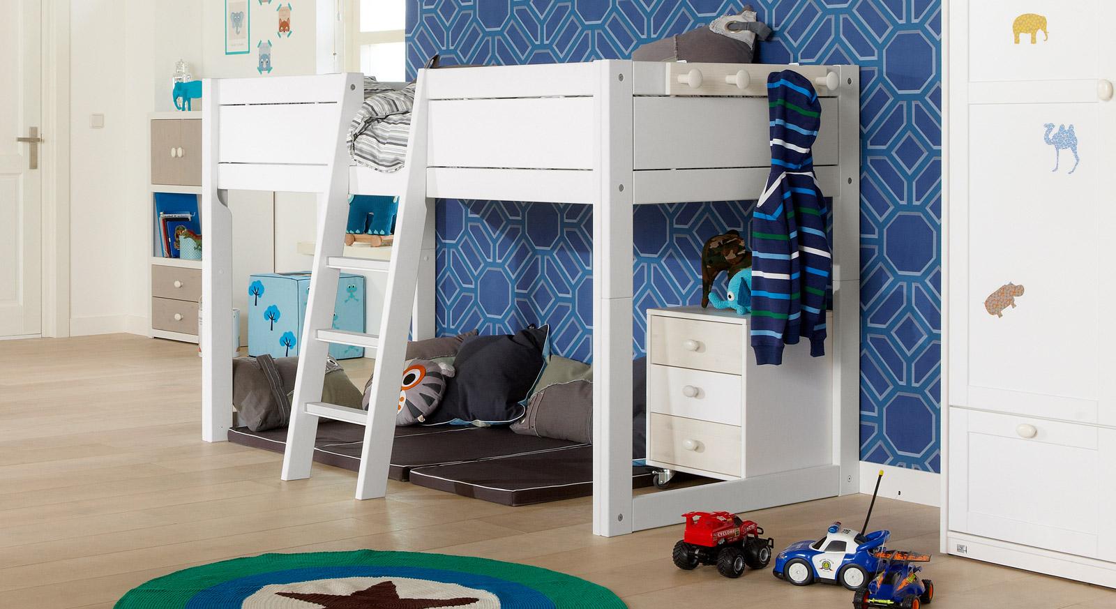 Kinderbett 4-in-1 als Hochbett hier in Weiß lackiert