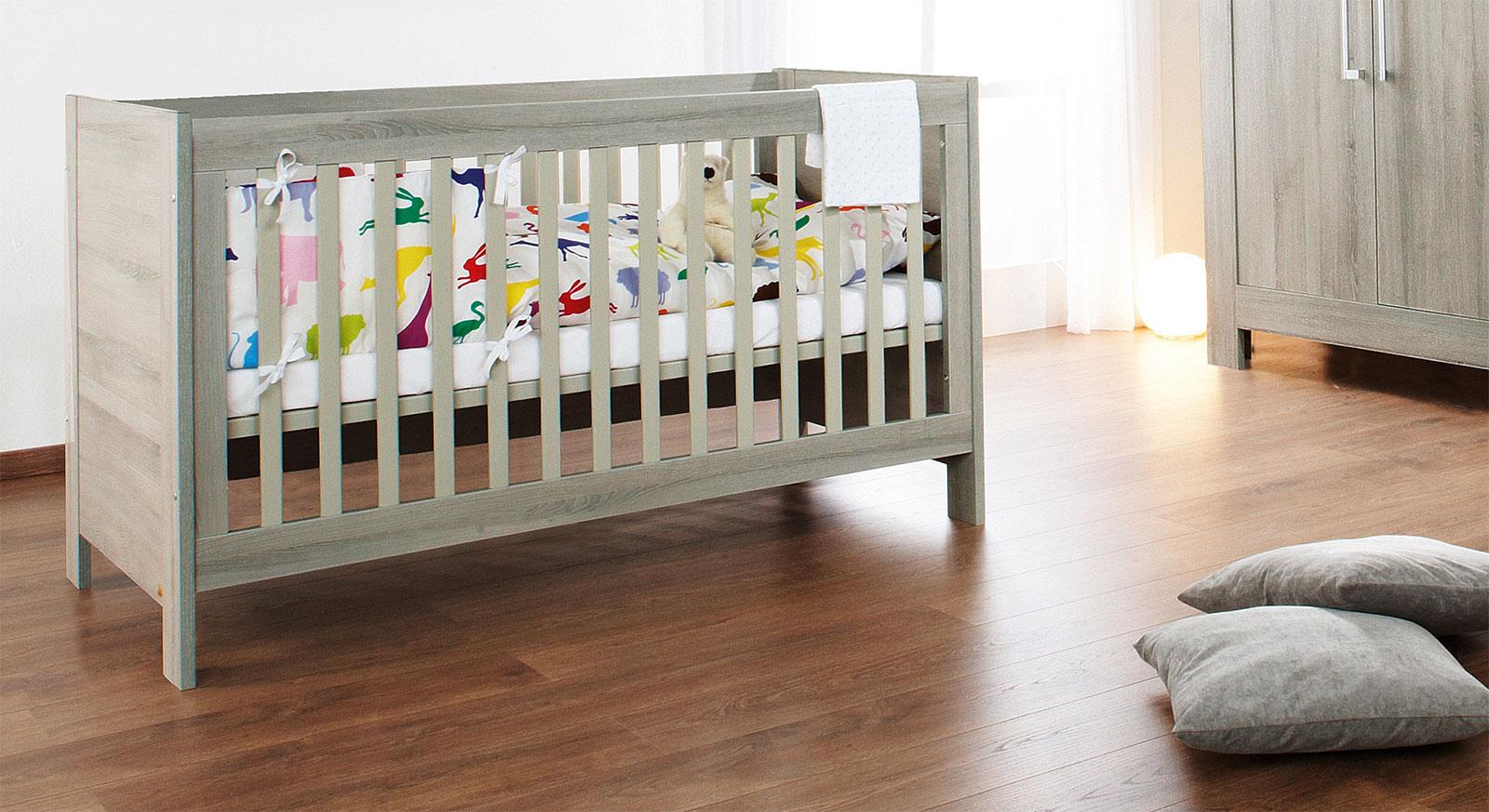 Kinderbett Marc mit schöner Maserung