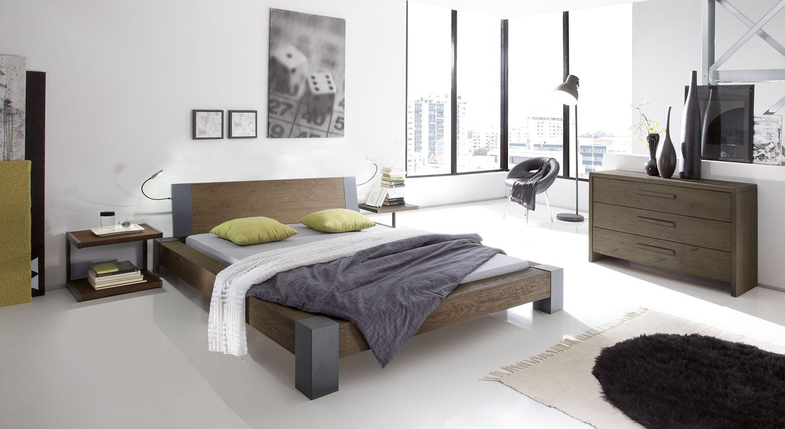 Massivholz-Futonbett Sangro mit passenden Produkten