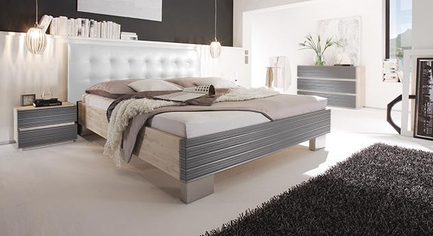 Bett Bari in weiß und schwarz
