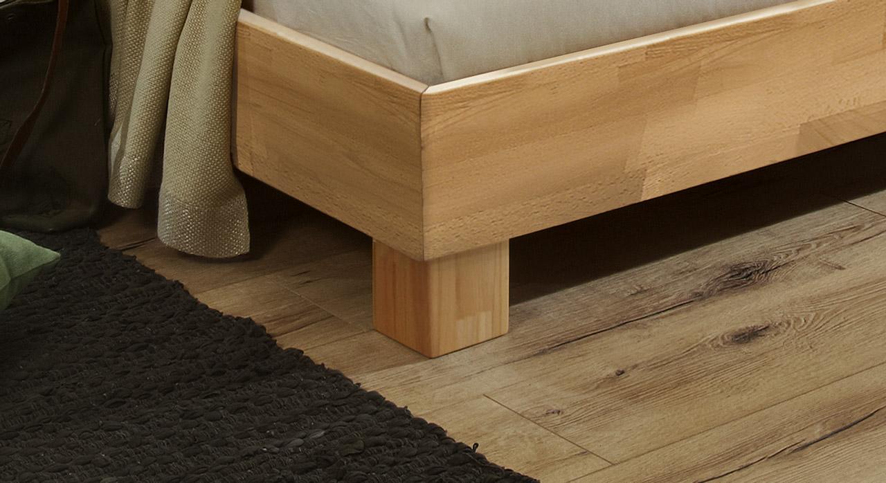 Bett Marmore aus Massivholz mit stabilen Füßen