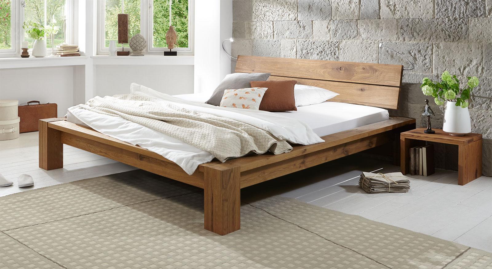 Tolles, stabiles Design Massivholzbett Navia mit 20cm natur.