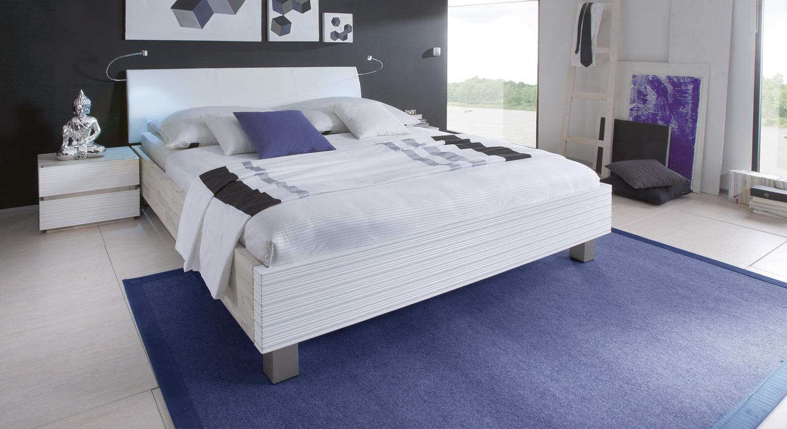 Doppelbett Salou aus Akazie in Weiß