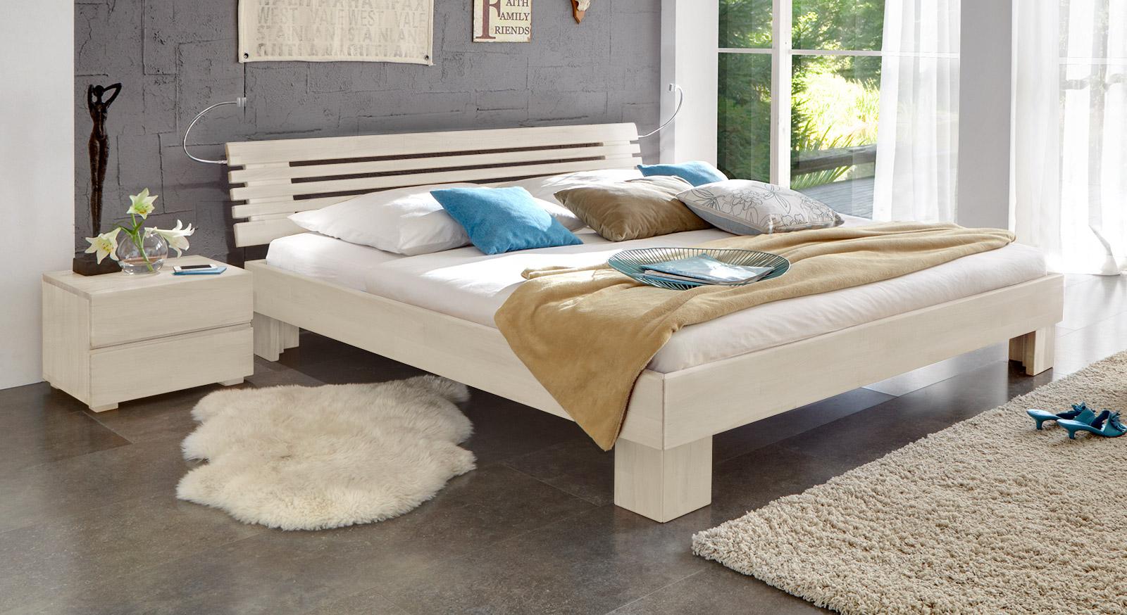Doppelbett weiß  Stilvolles Massivholzbett aus Buche - White Romance