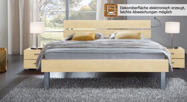 Das Bett Belluno in der Fußhöhe 25cm und aus MDF, ahorn