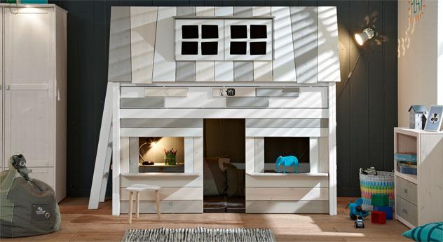 Weiß lackiertes Midi-Hochbett Villa