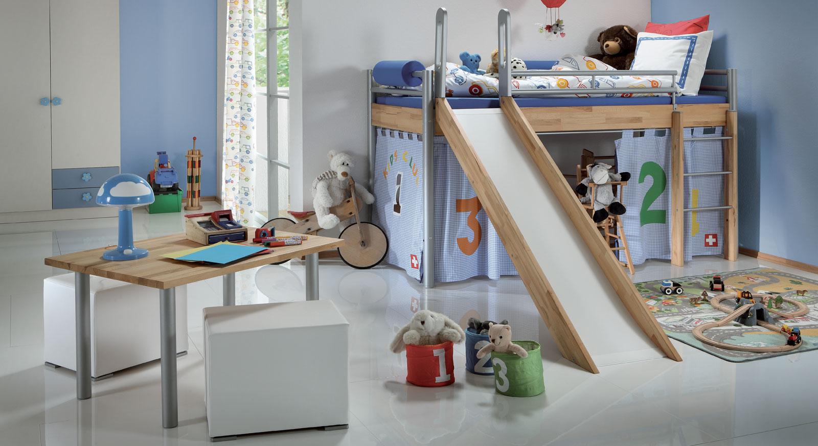 Spielbett mit rutsche   das mini hochbett bastian aus massivholz