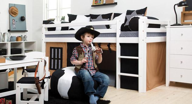 Modernes Mini-Hochbett Cowboy inklusive Spielvorhang
