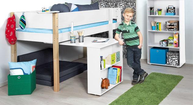 Mini-Hochbett Kids Town mit Auszieh-Schreibtisch in Weiß mit Buchepfosten