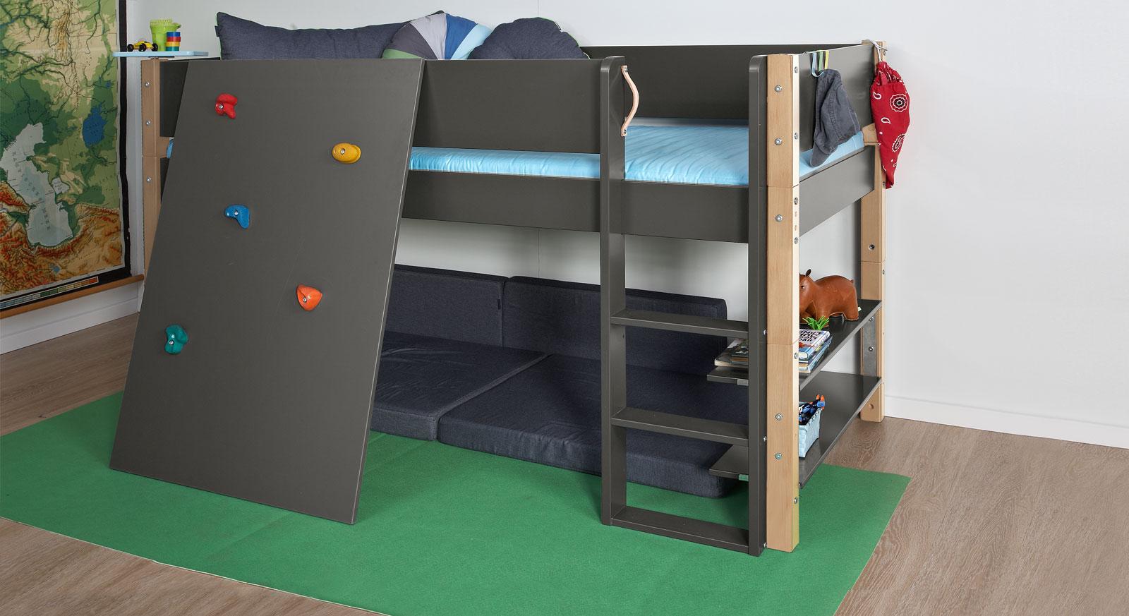 Mini-Hochbett Kids Town mit Kletterwand in Anthrazit und Buchepfosten