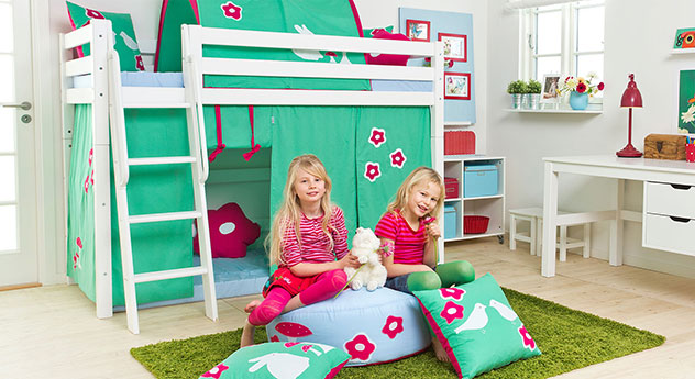 Mittelhohes Bett Kids Royalty aus massivem Holz