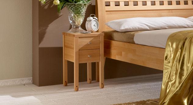 Nachttisch Aargau ausgestattet mit Rollfüßen
