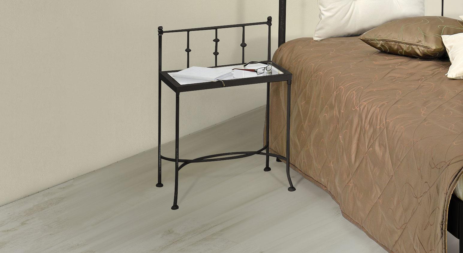 nachttisch aus metall z b in braun mit patina astara. Black Bedroom Furniture Sets. Home Design Ideas