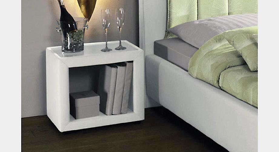 Nachttisch Caserta mit Glasplatte und Ablagefach