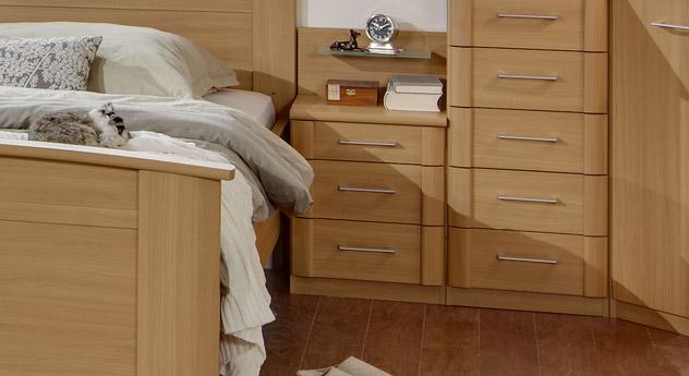 Schmaler Nachttisch Dabola mit 40 cm Breite
