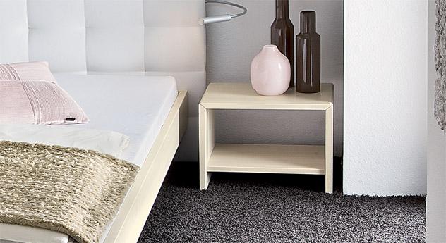 nachttisch aus ge lter kernbuche estra. Black Bedroom Furniture Sets. Home Design Ideas