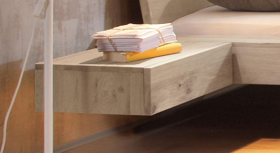 h ngender nachttisch aus wildeiche liro. Black Bedroom Furniture Sets. Home Design Ideas