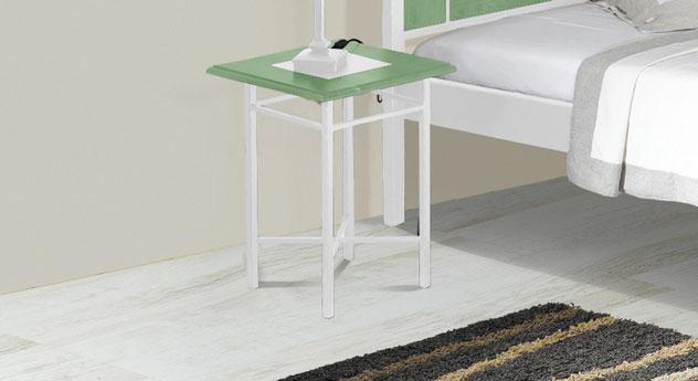 Nachttisch Pintana in grüner Eiche und Weiß-Silber