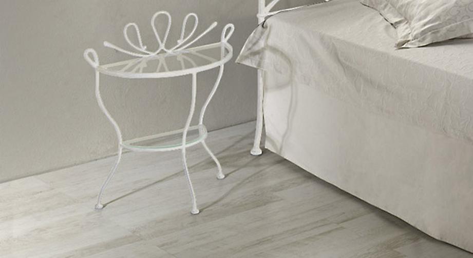 Nachttisch Metall Weiß ~ Halbrunder nachttisch aus metall und glas porco