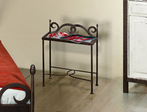 metall nachttische z b aus massivem schmiedeeisen. Black Bedroom Furniture Sets. Home Design Ideas